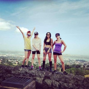 hiking up one tree hill in auckland new zealand. women of wanderlust. traveling the world. exploring new zealand.